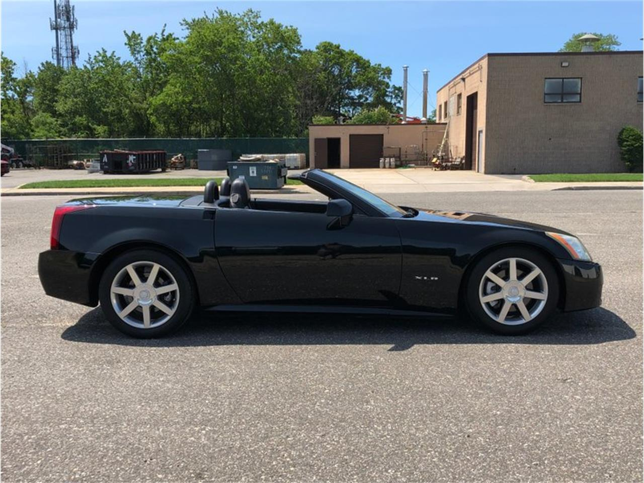Large Picture of '04 Cadillac XLR - $22,500.00 - QDU0
