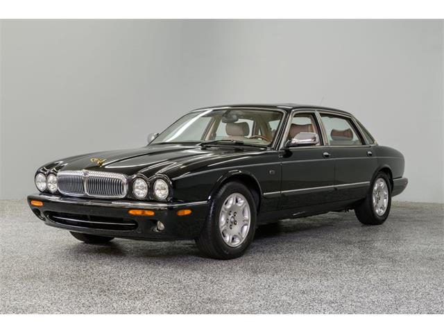 Picture of '02 XJ8 - QKQE