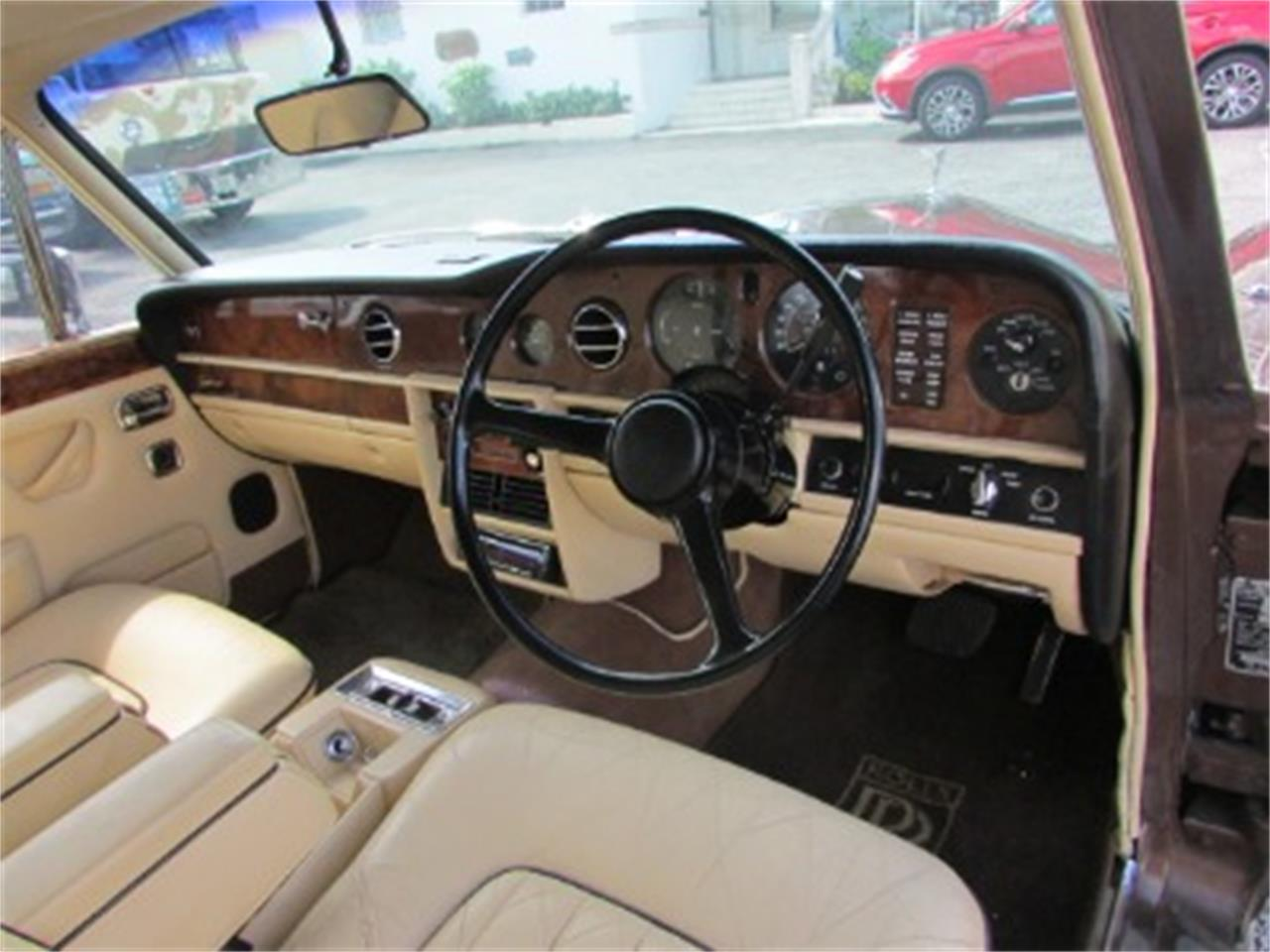 Large Picture of '77 Silver Shadow II - QLKG