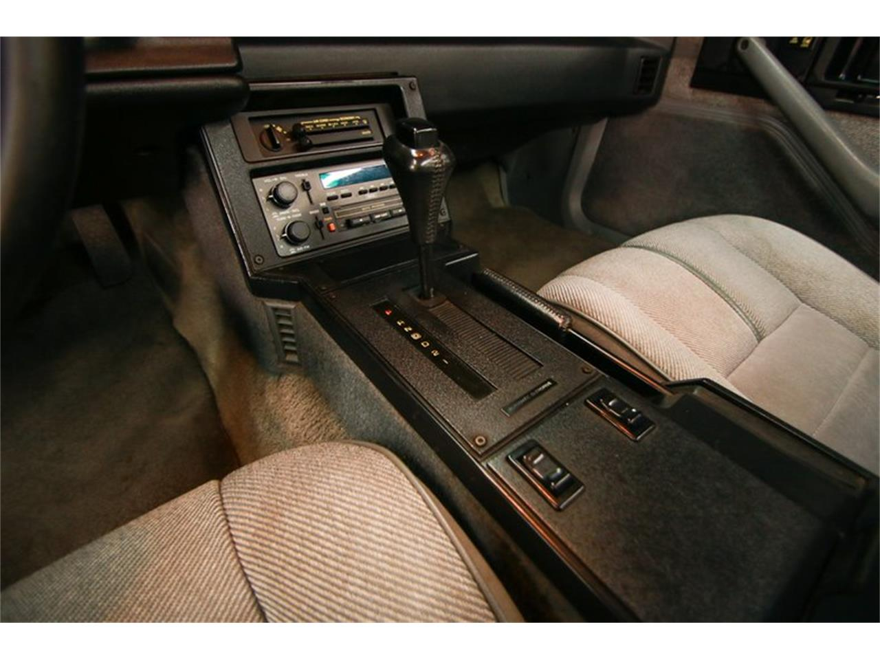 Large Picture of '92 Chevrolet Camaro located in Cincinnati Ohio Offered by Seven Hills Motorcars - QLU7