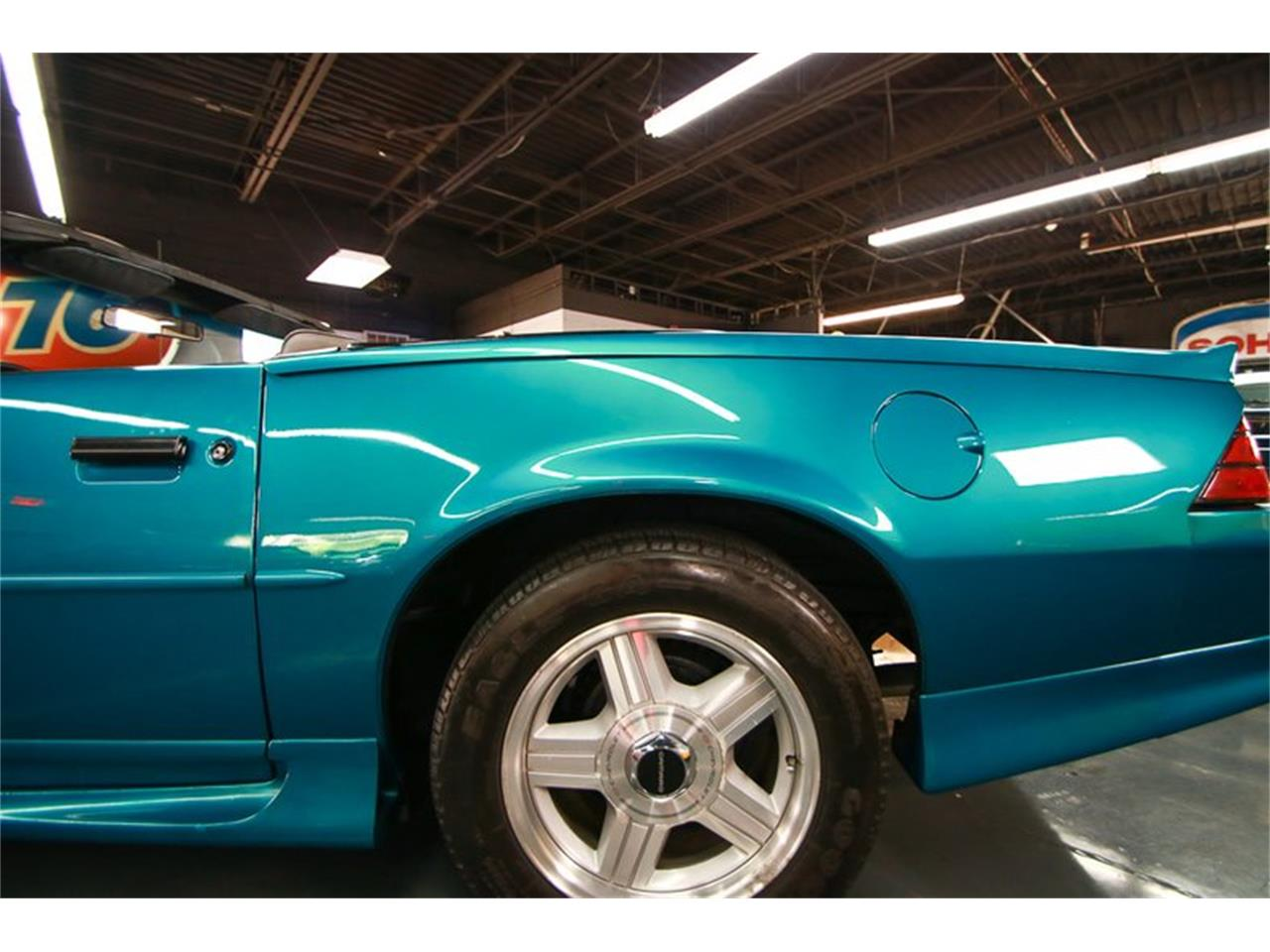 Large Picture of 1992 Camaro located in Cincinnati Ohio Offered by Seven Hills Motorcars - QLU7