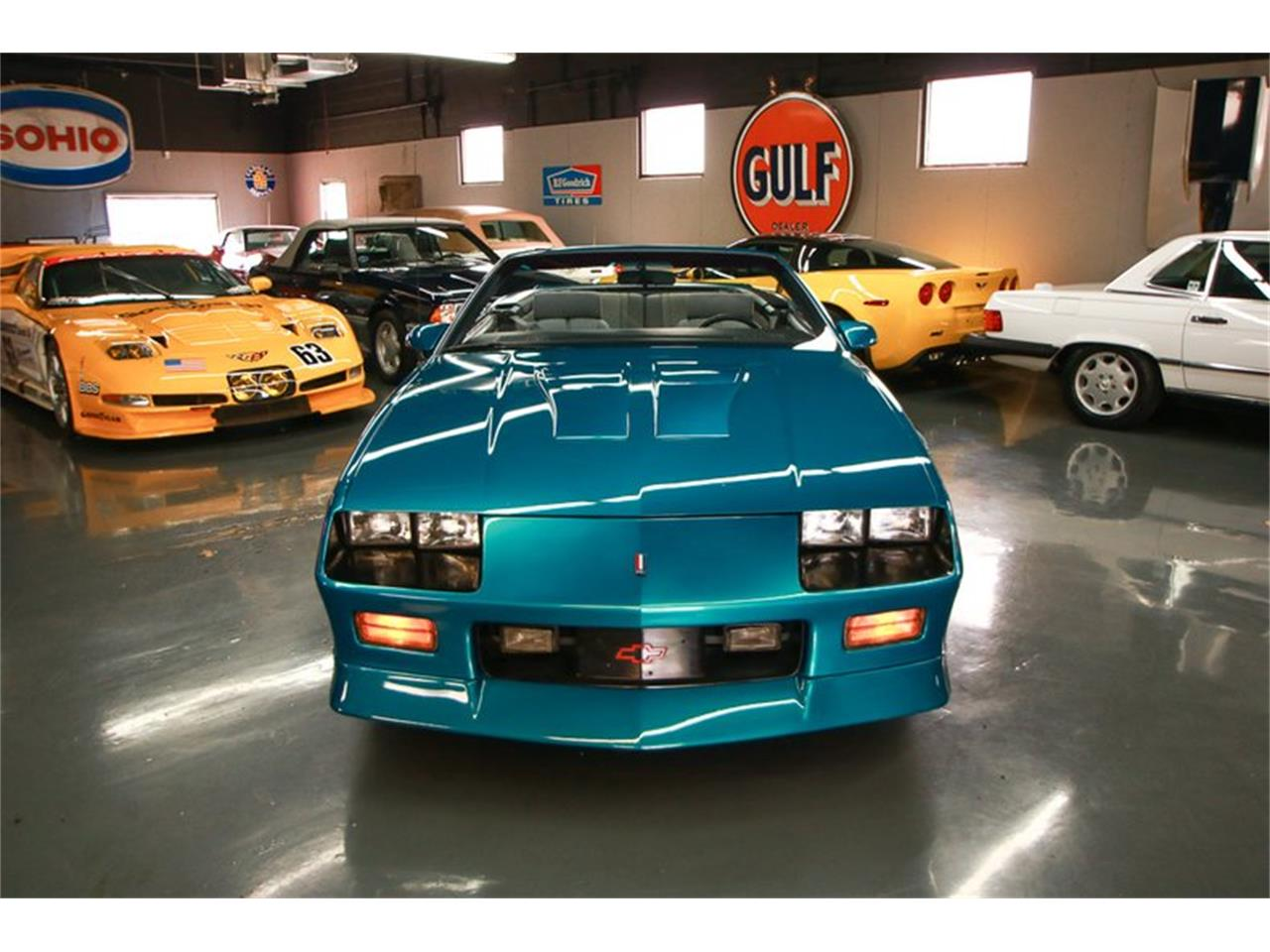 Large Picture of 1992 Chevrolet Camaro located in Ohio - $12,900.00 Offered by Seven Hills Motorcars - QLU7