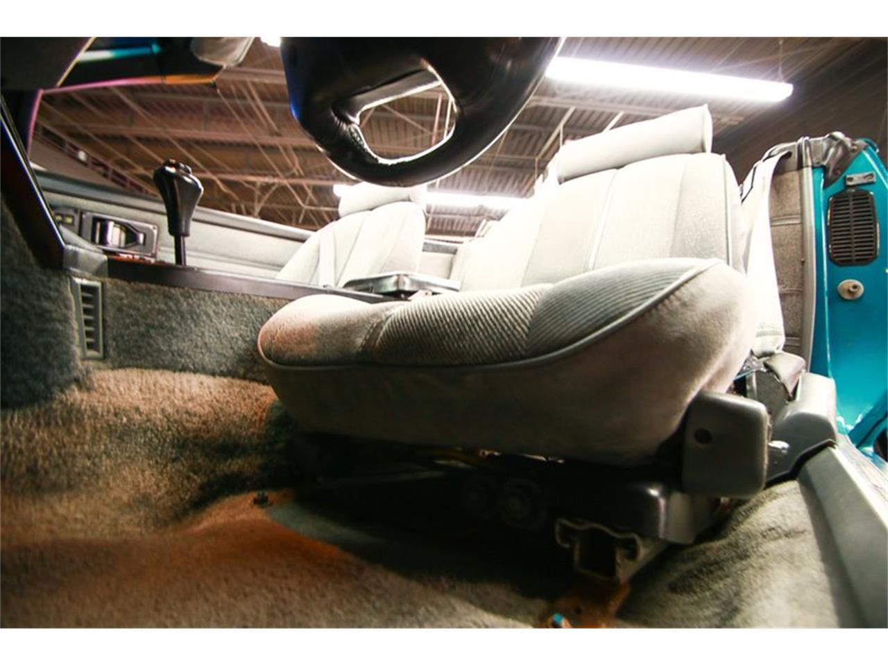 Large Picture of '92 Chevrolet Camaro located in Cincinnati Ohio - QLU7