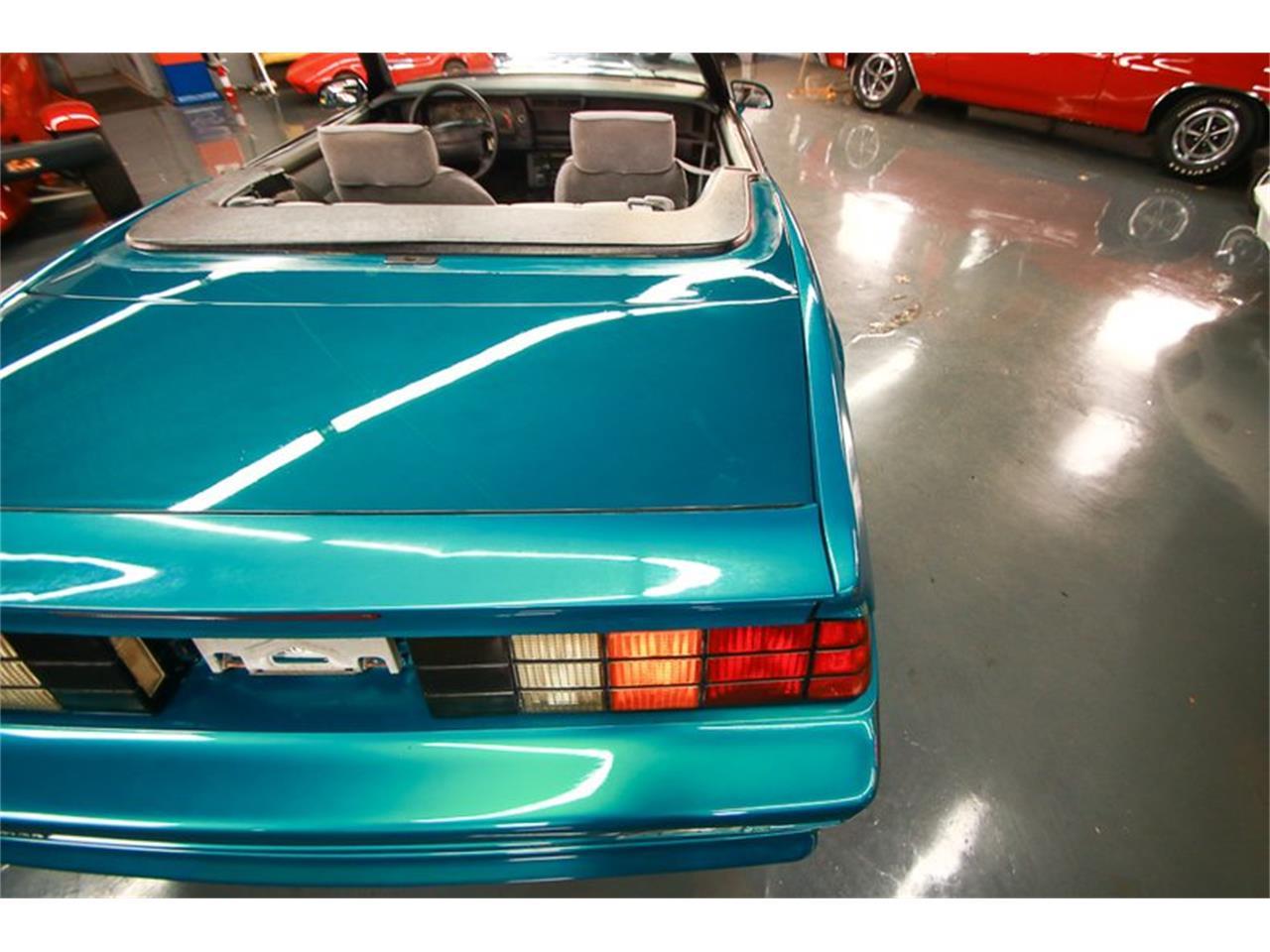 Large Picture of '92 Camaro located in Ohio - QLU7