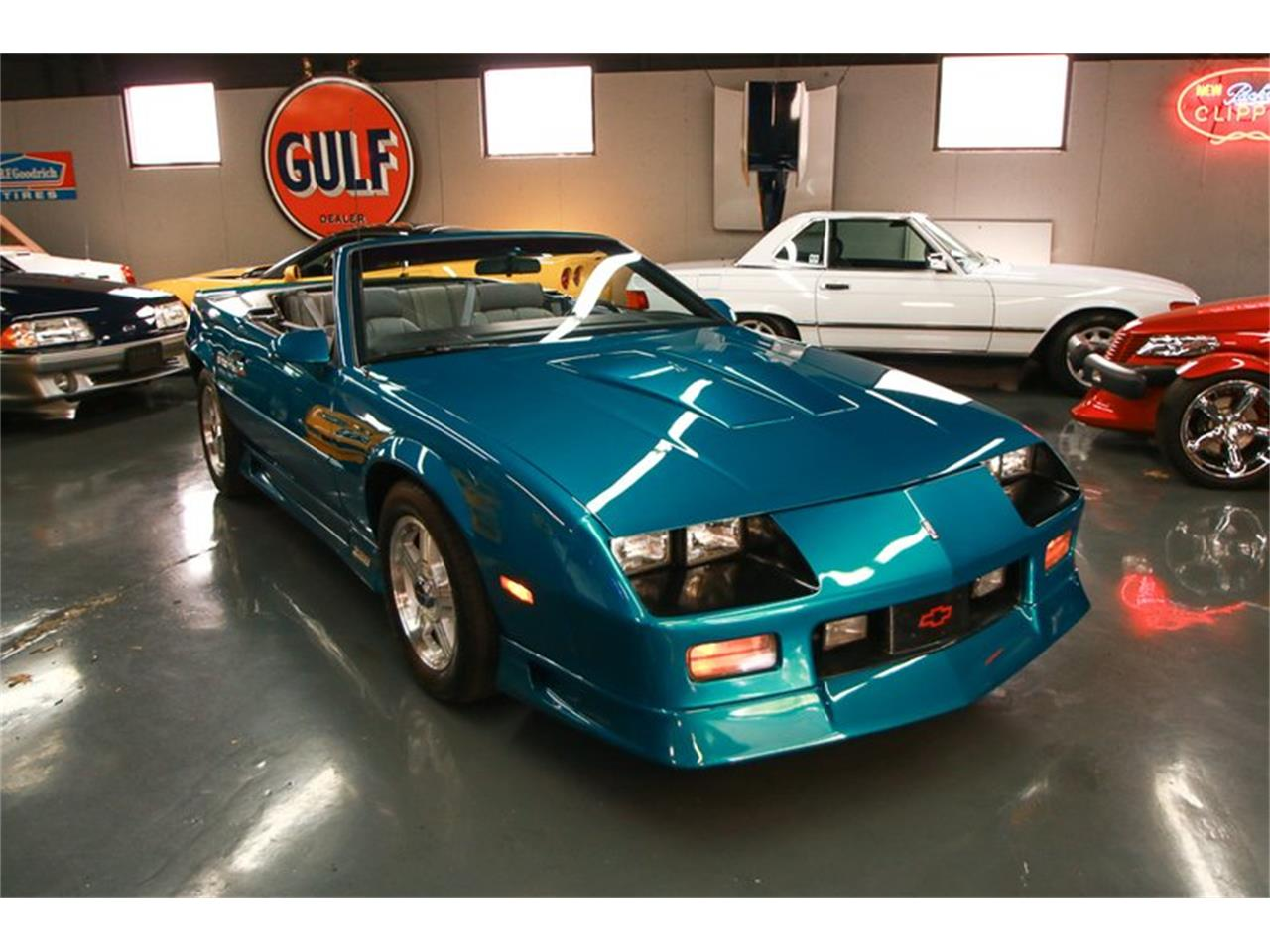 Large Picture of '92 Camaro - $12,900.00 - QLU7