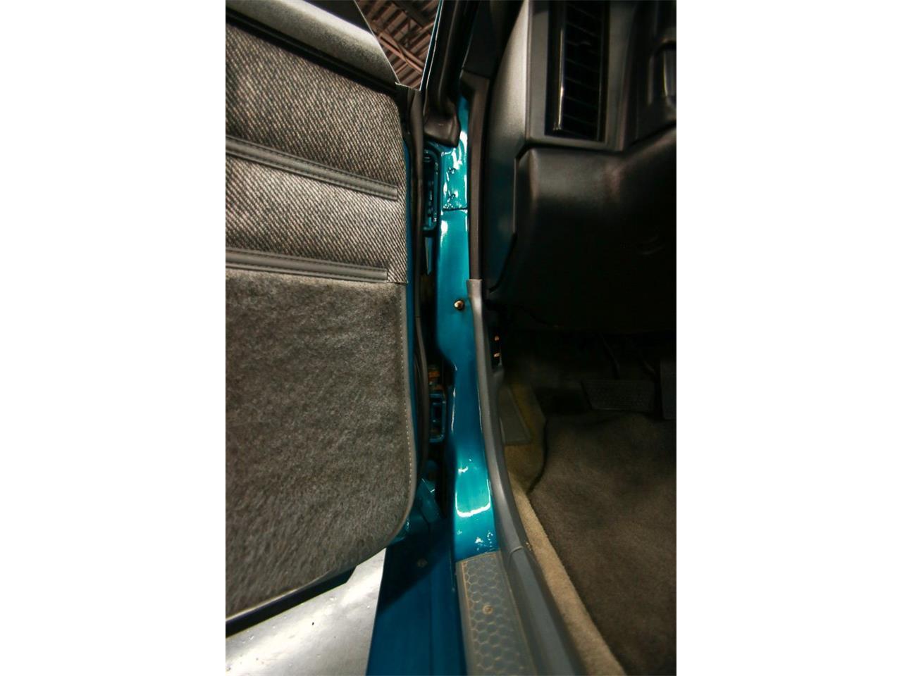 Large Picture of '92 Camaro located in Cincinnati Ohio - QLU7