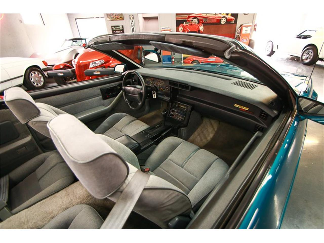 Large Picture of '92 Camaro located in Cincinnati Ohio Offered by Seven Hills Motorcars - QLU7