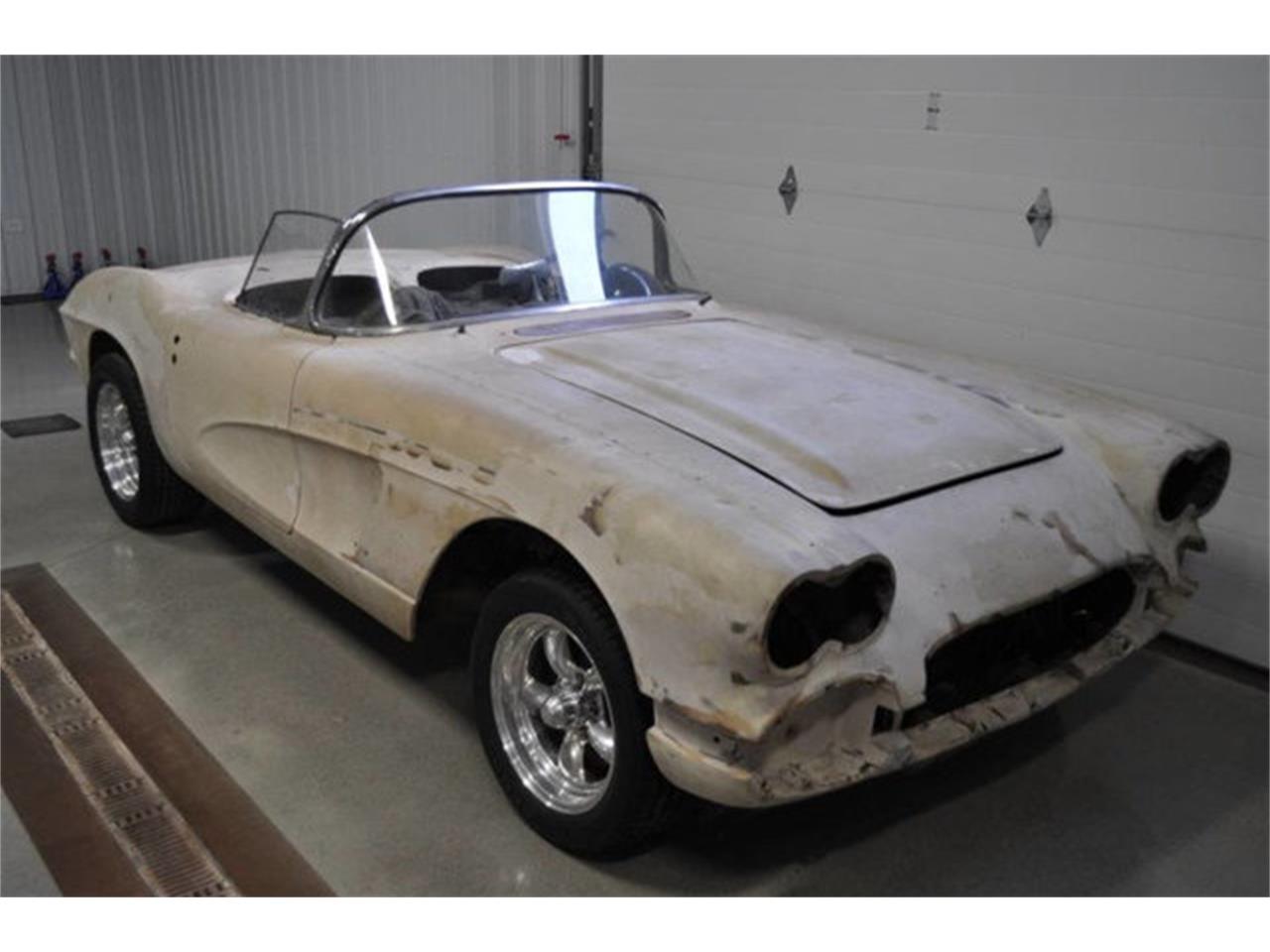 Large Picture of '61 Corvette - QLVF
