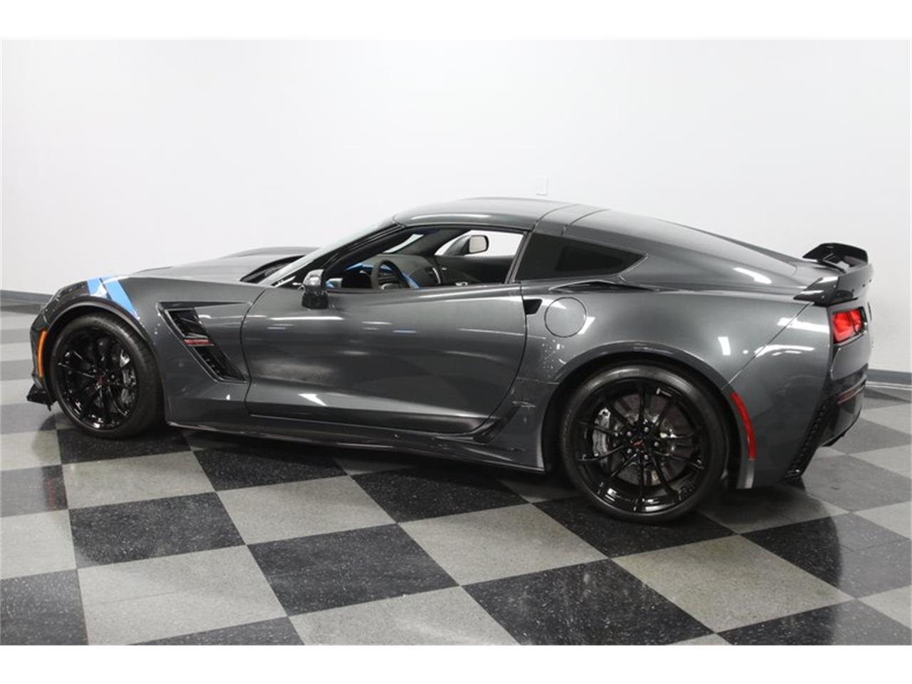 Large Picture of '17 Corvette - QM06