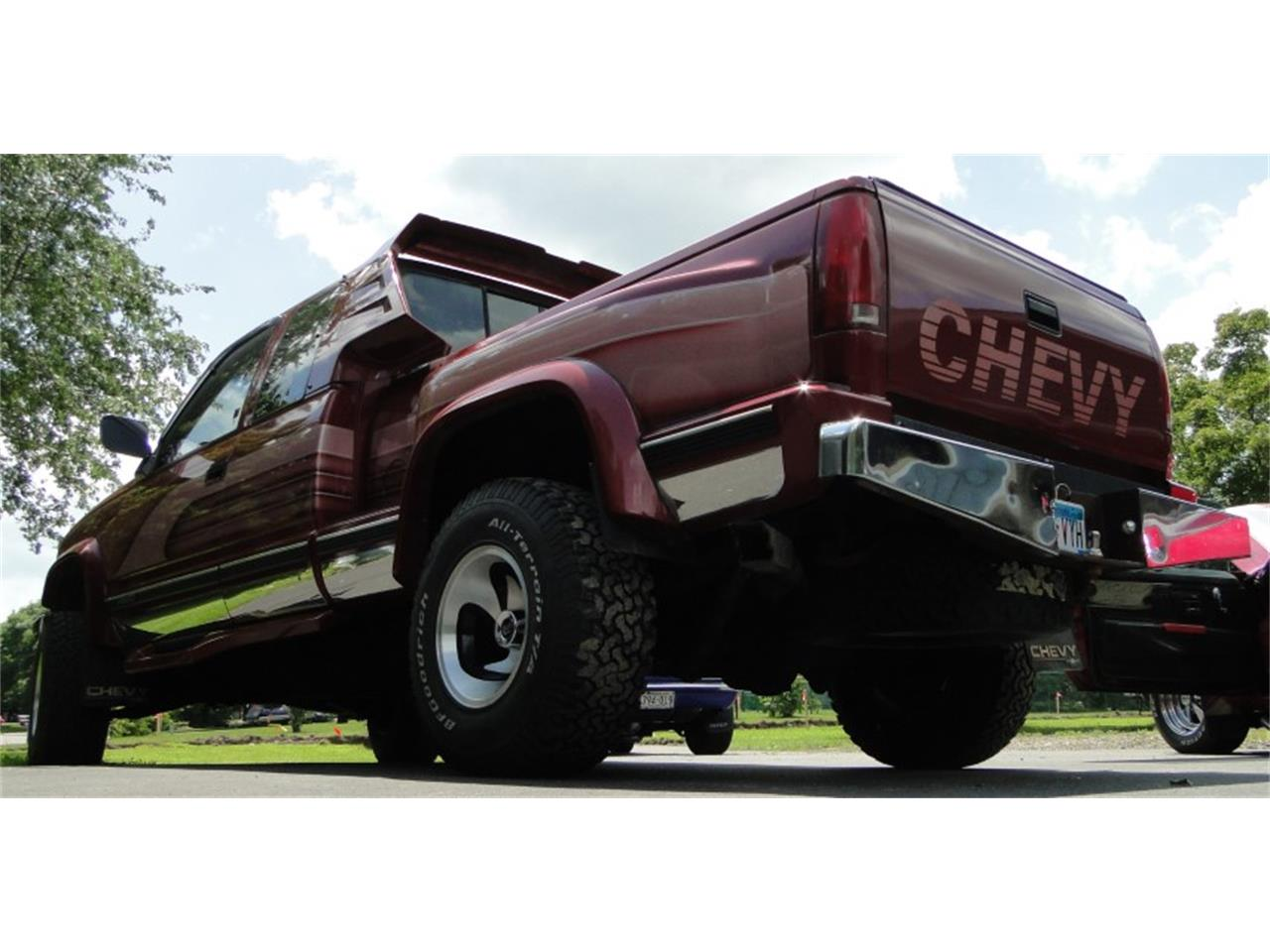 Large Picture of '92 Chevrolet 1500 located in Minnesota - QKWZ