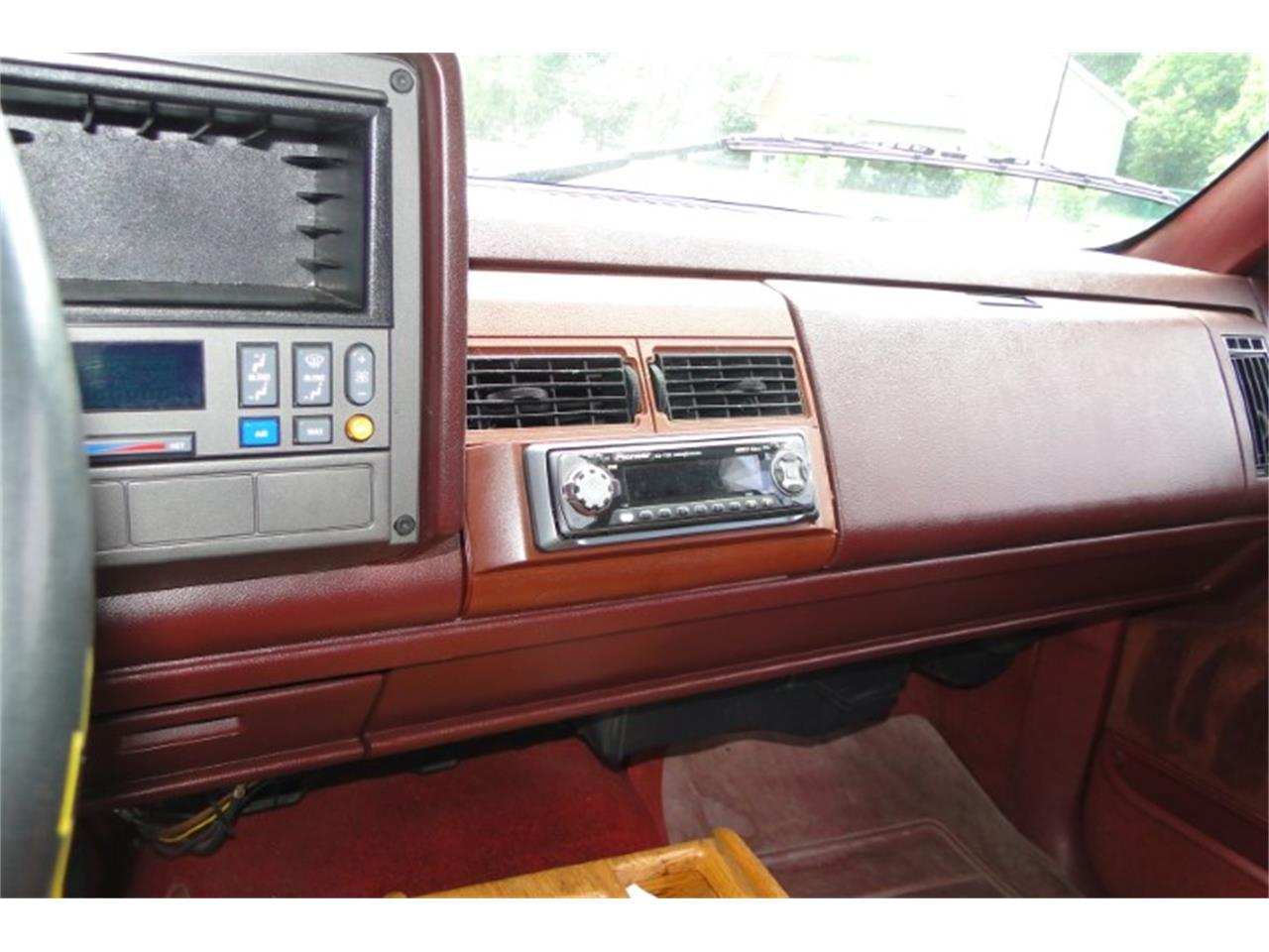 Large Picture of '92 1500 located in Prior Lake Minnesota Offered by Big R's Muscle Cars - QKWZ