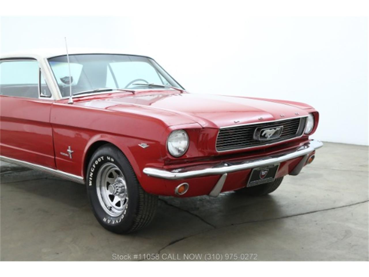 Large Picture of 1966 Mustang - QKXT