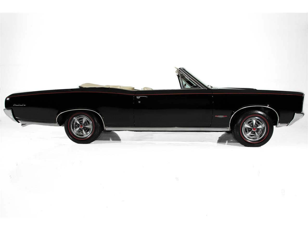Large Picture of 1966 Pontiac GTO located in Iowa - QKZ0