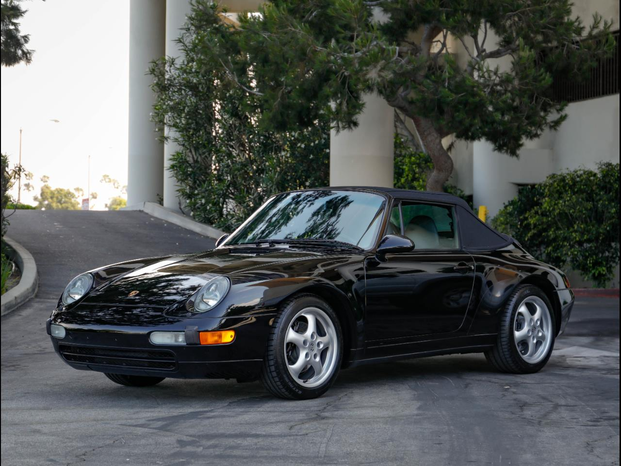 Large Picture of '97 Porsche 993 Offered by Chequered Flag International - QKZ2