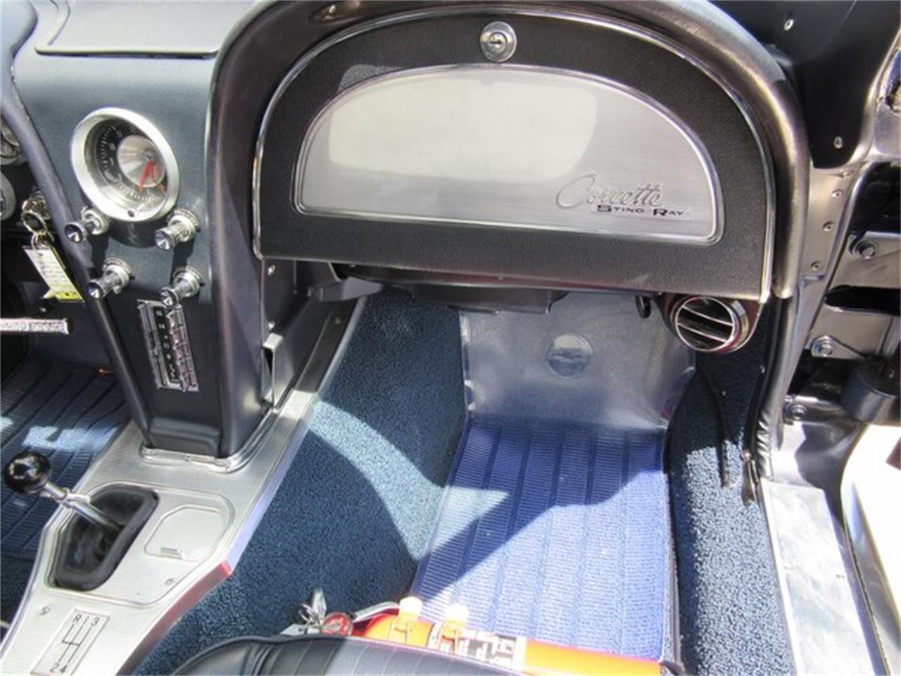Large Picture of '63 Chevrolet Corvette - QKZR