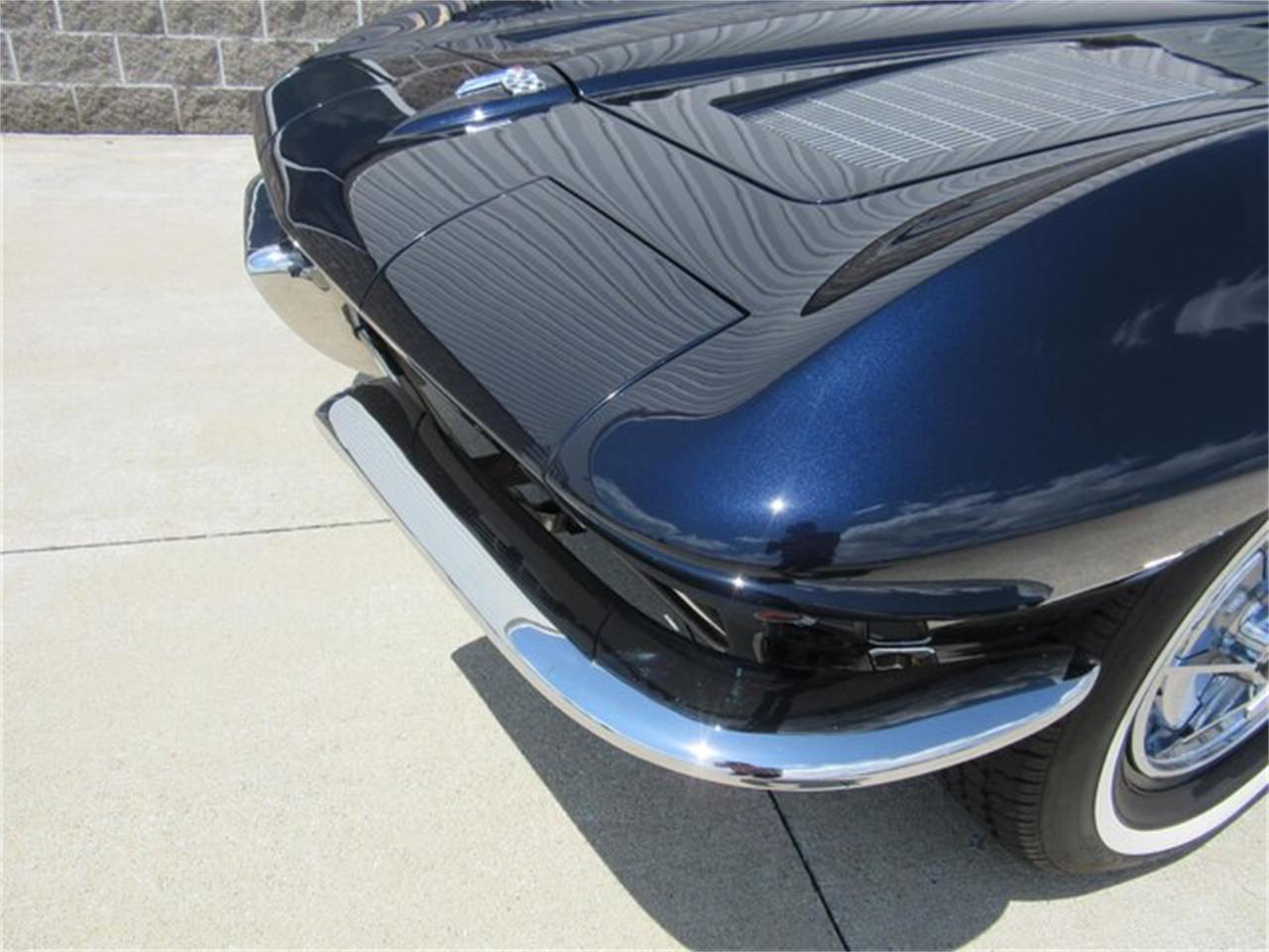 Large Picture of Classic '63 Chevrolet Corvette - QKZR