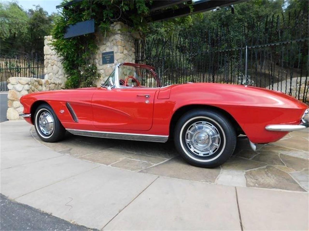 Large Picture of 1962 Chevrolet Corvette located in Santa Barbara California - QMUZ