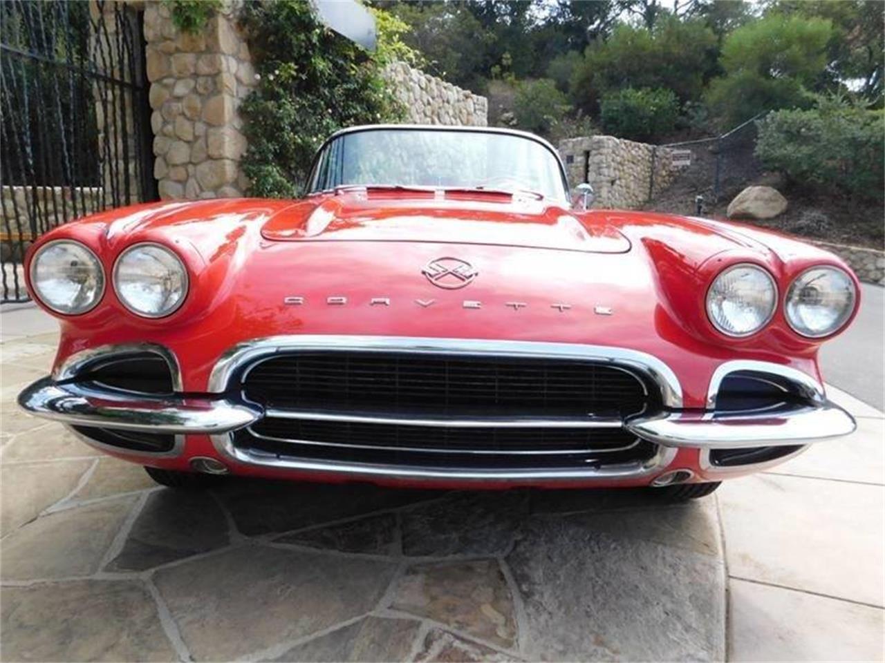 Large Picture of Classic 1962 Corvette - QMUZ