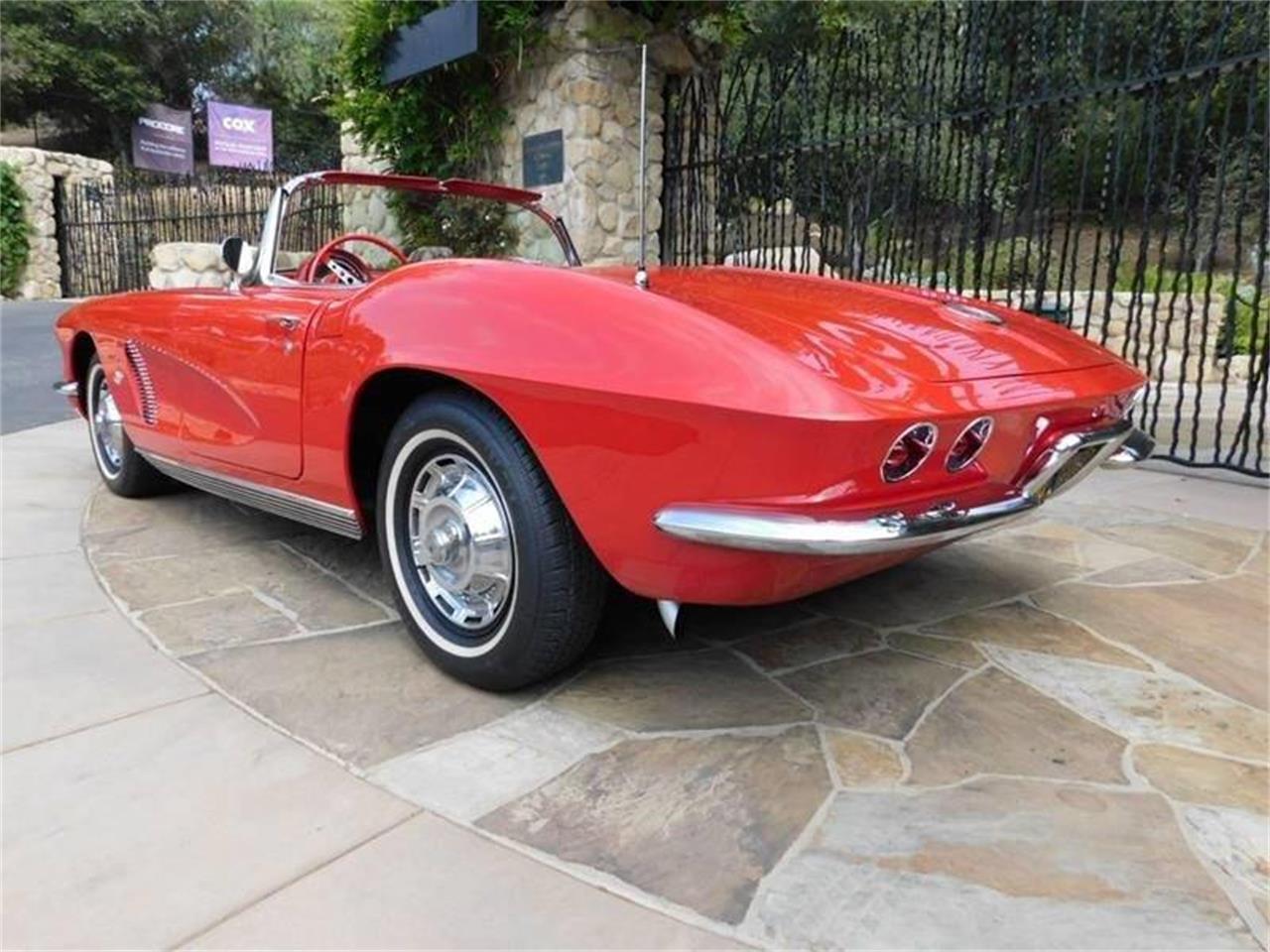 Large Picture of 1962 Corvette - QMUZ