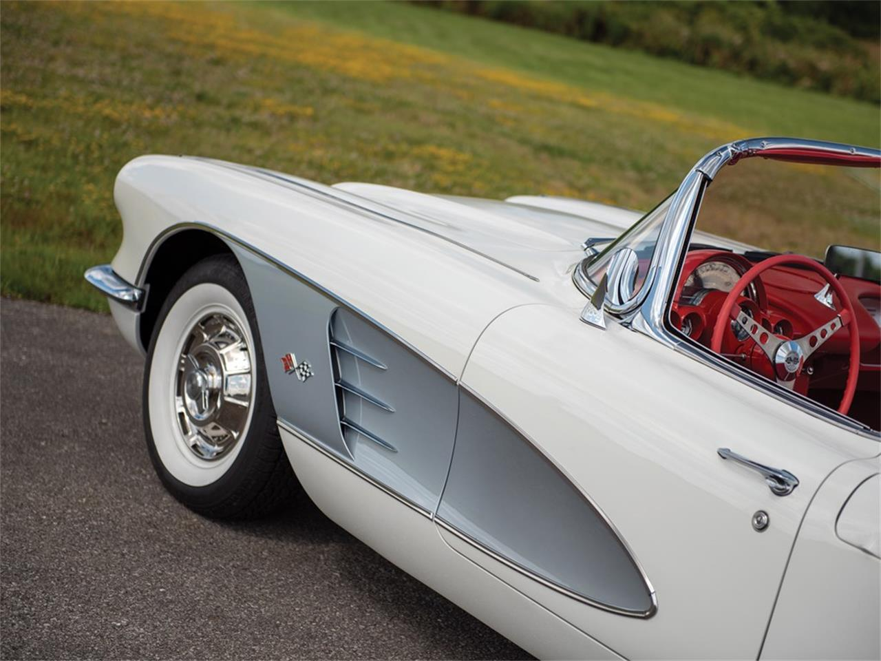 Large Picture of '60 Corvette - QMYA