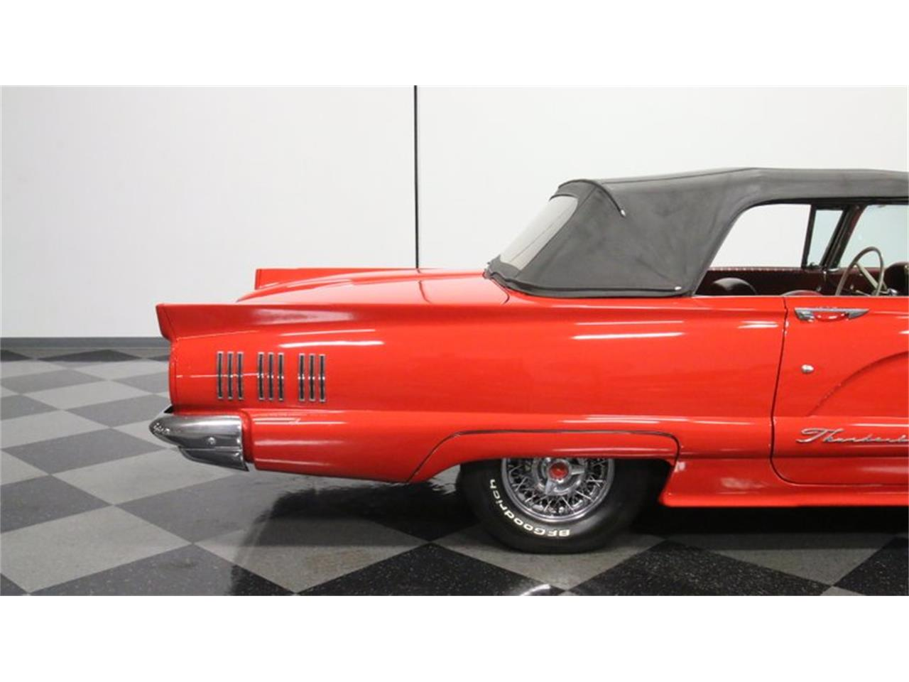 Large Picture of '60 Thunderbird - QN2Y