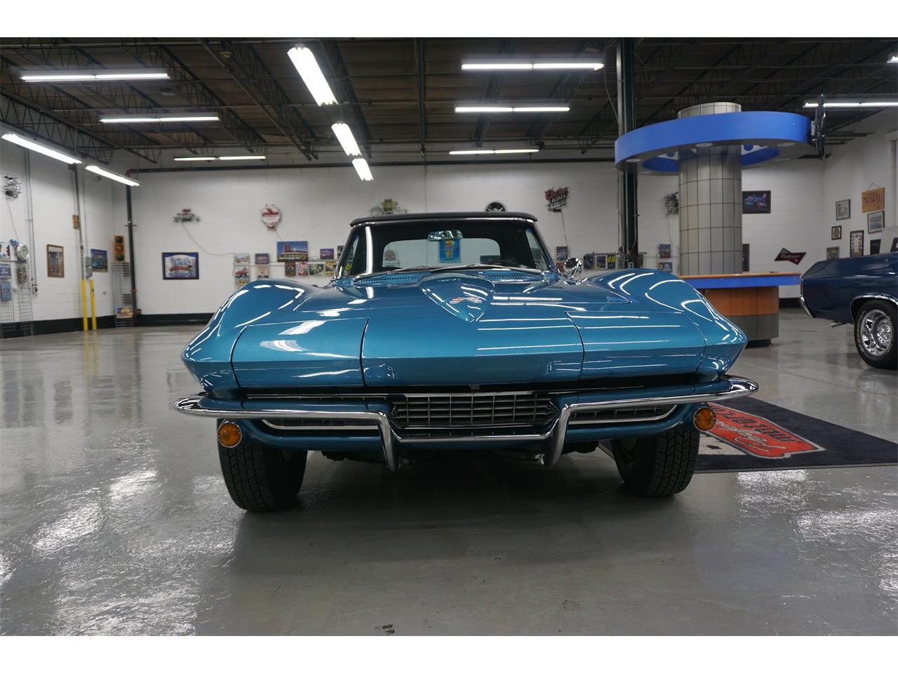 Large Picture of '67 Corvette - QL0V