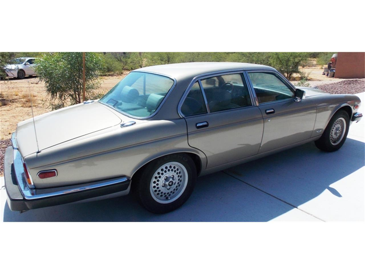 Large Picture of '86 XJ6 - $7,500.00 - QNNV
