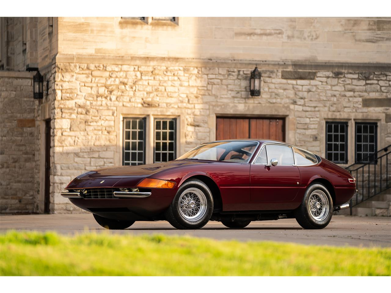 Large Picture of Classic '72 Ferrari 365 GTB/4 Daytona located in Michigan Offered by LBI Limited - QL32