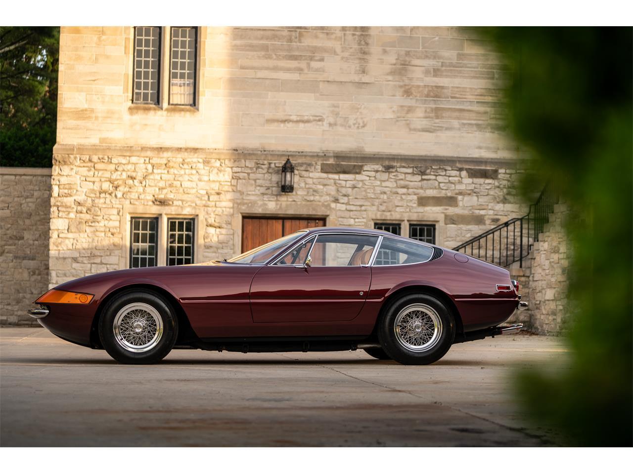 Large Picture of Classic 1972 Ferrari 365 GTB/4 Daytona located in Pontiac Michigan Offered by LBI Limited - QL32