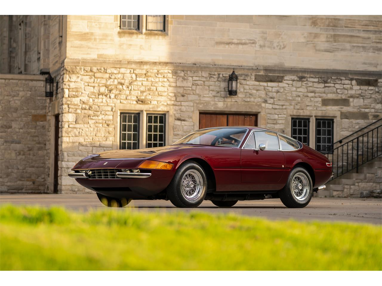 Large Picture of Classic '72 365 GTB/4 Daytona located in Pontiac Michigan Offered by LBI Limited - QL32