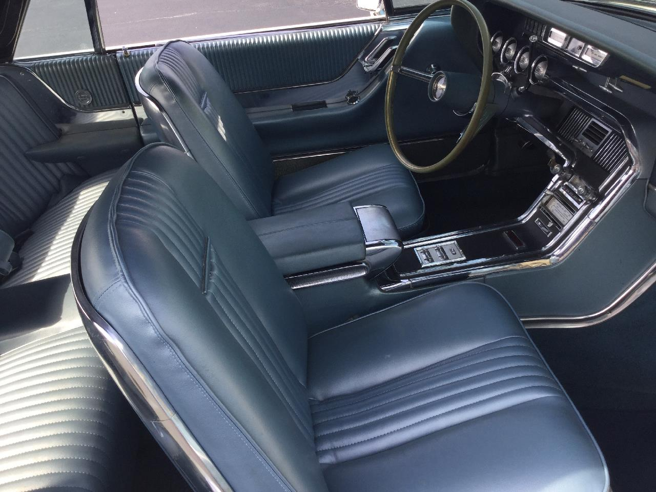 Large Picture of '65 Thunderbird - QNUV