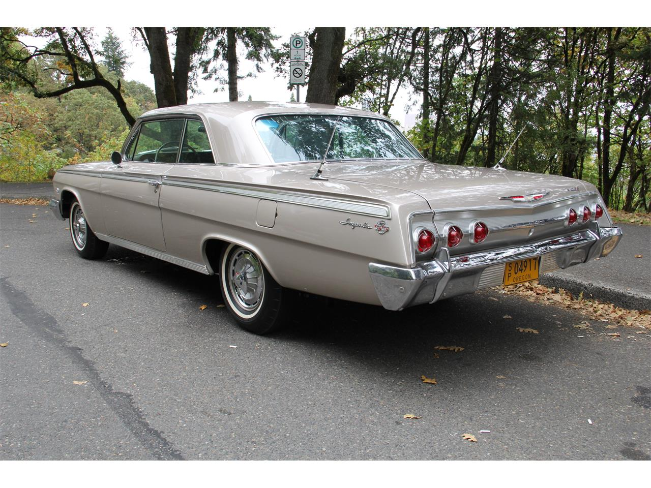 Large Picture of Classic 1962 Chevrolet Impala SS located in Lake Oswego Oregon - QNWT