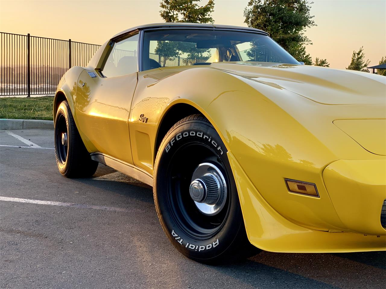 Large Picture of '75 Corvette - QNYN