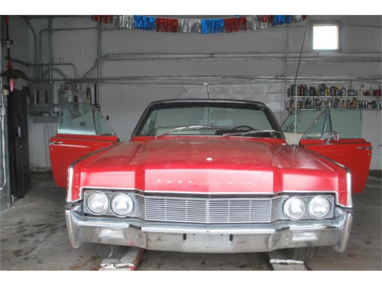 Large Picture of '67 Continental - QO40