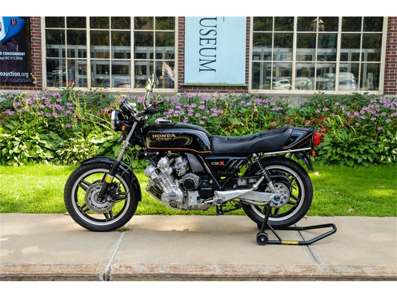 Large Picture of '79 Motorcycle Auction Vehicle - QOQ6