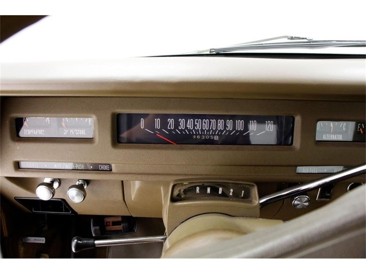 Large Picture of '75 Travelall - QORN