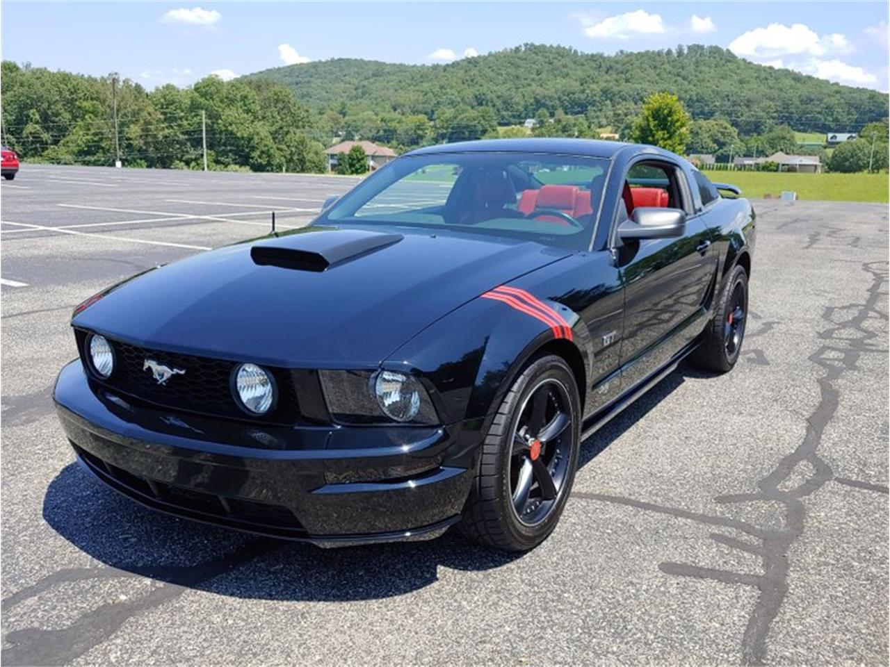 For sale 2005 ford mustang in cookeville tennessee