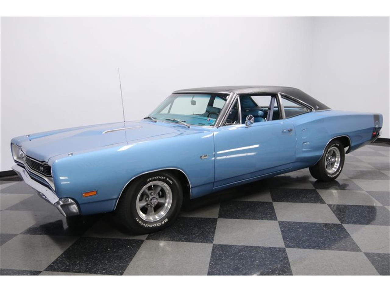 Large Picture of Classic 1969 Dodge Super Bee - QP0O