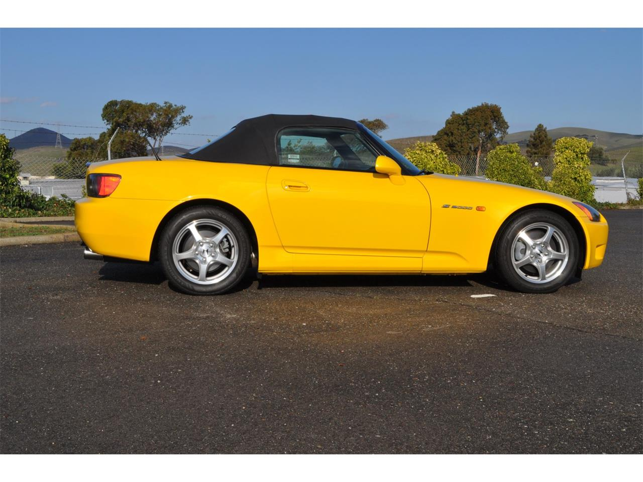 Large Picture of 2000 S2000 located in Benicia California Auction Vehicle - QP2U