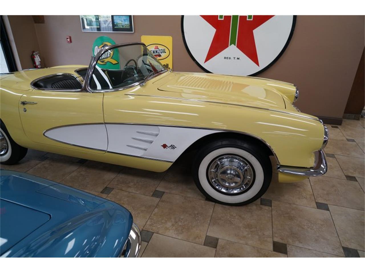 Large Picture of Classic 1958 Chevrolet Corvette located in Venice Florida - QP3Y