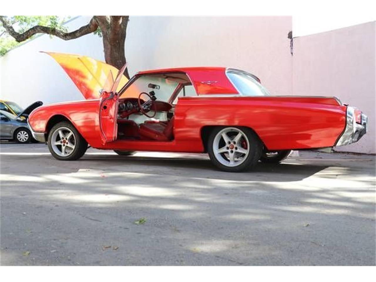 Large Picture of 1962 Thunderbird located in Cadillac Michigan Offered by Classic Car Deals - QP5D