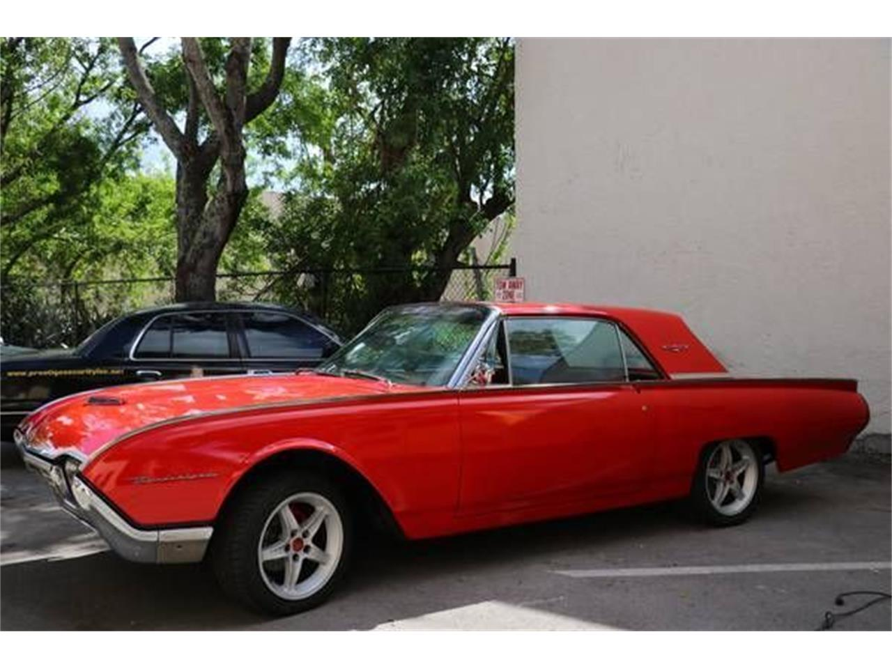 Large Picture of '62 Thunderbird located in Cadillac Michigan - $24,095.00 - QP5D