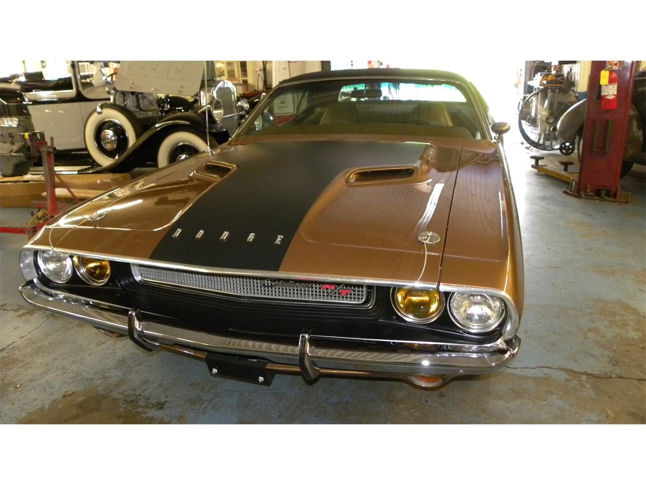 Large Picture of '70 Challenger R/T - QP9M