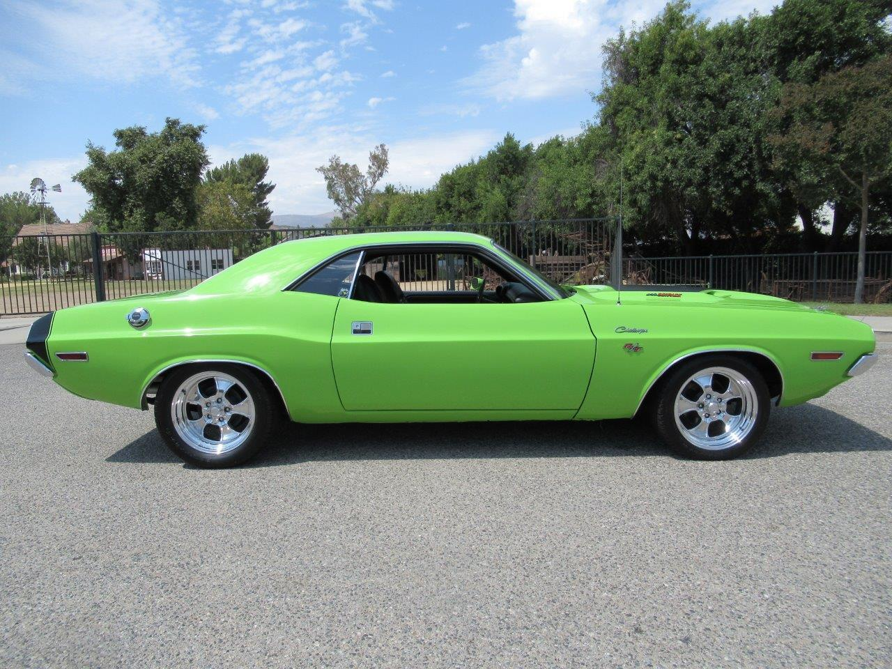 Large Picture of '70 Challenger - QP9O