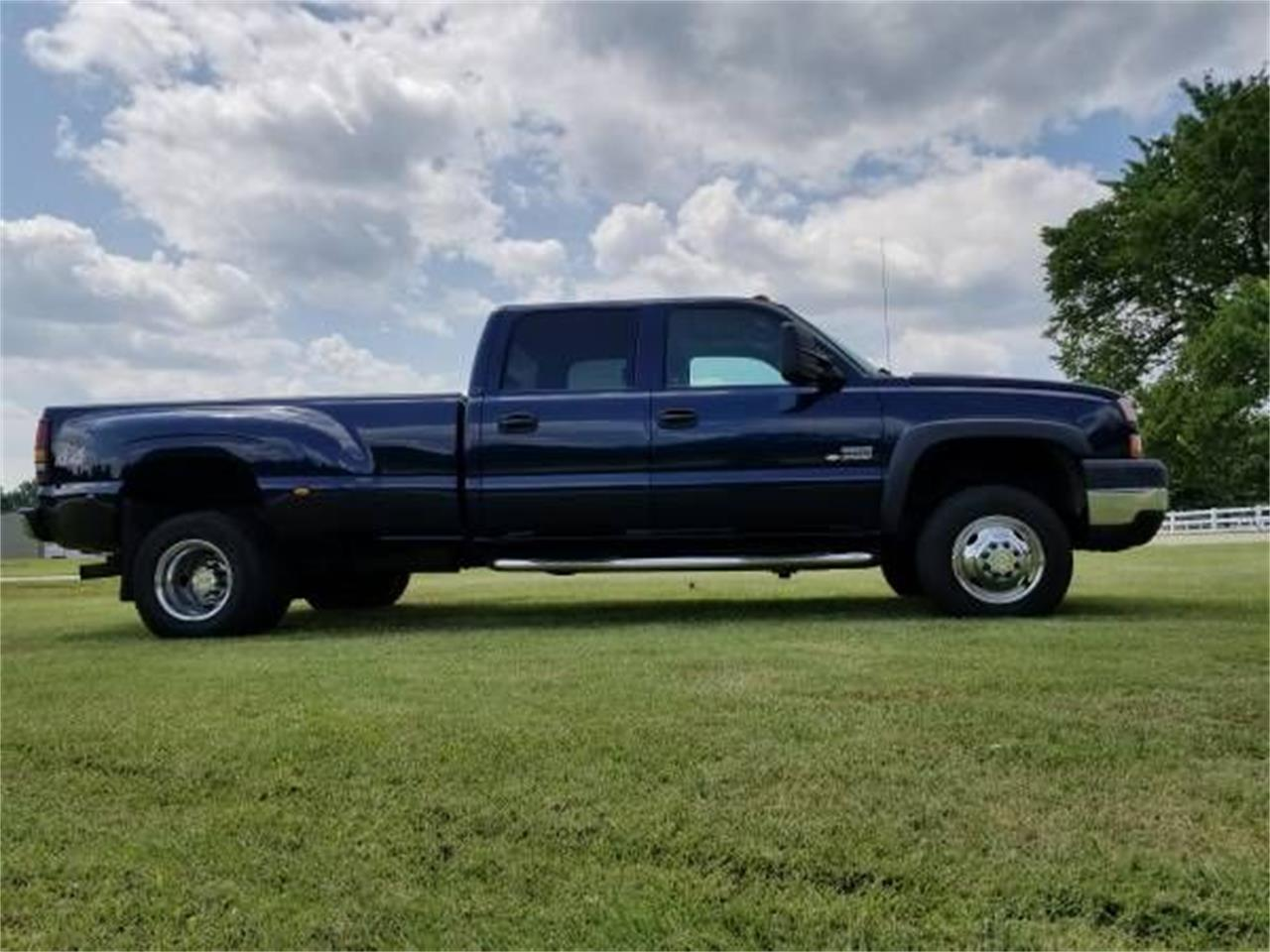 Large Picture of '06 Chevrolet Silverado - $19,895.00 Offered by Classic Car Deals - QPHO