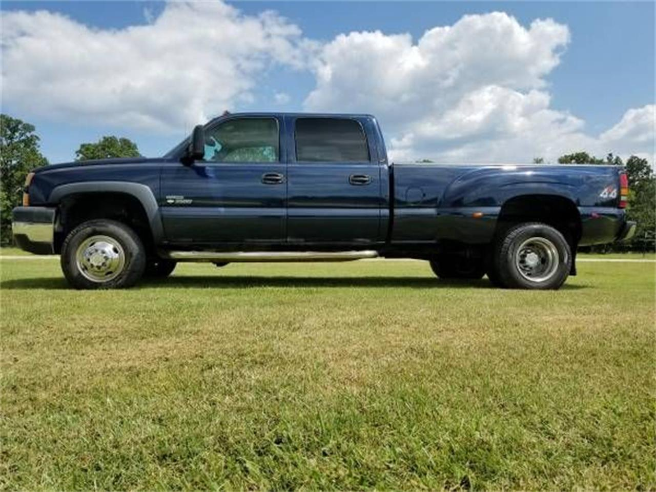 Large Picture of '06 Silverado located in Michigan - $19,895.00 Offered by Classic Car Deals - QPHO