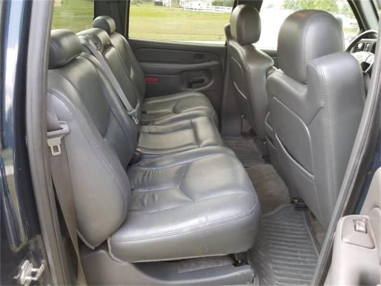 Large Picture of 2006 Chevrolet Silverado located in Cadillac Michigan - $19,895.00 Offered by Classic Car Deals - QPHO