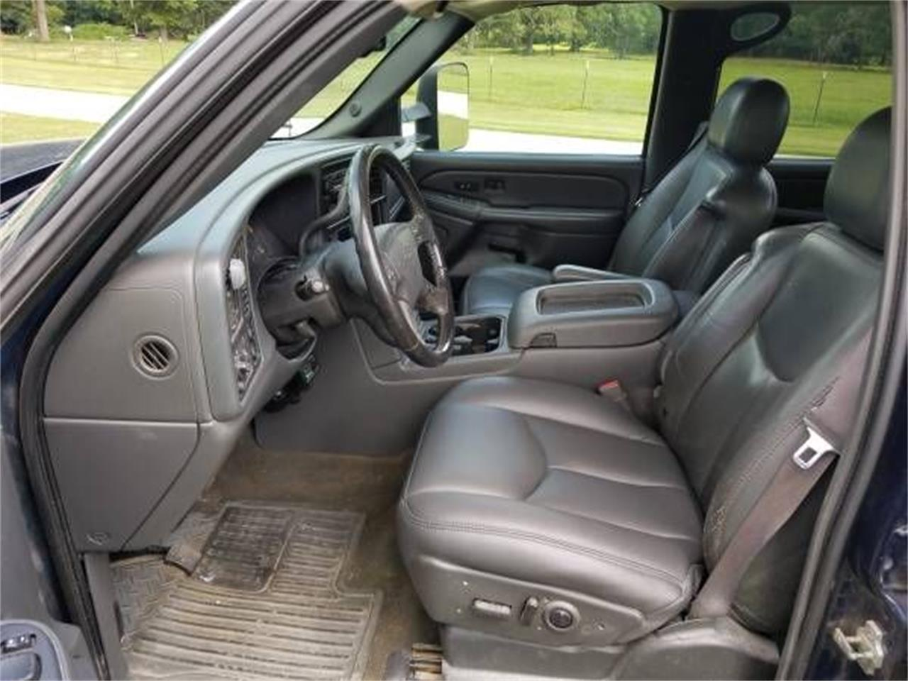 Large Picture of 2006 Chevrolet Silverado located in Michigan - $19,895.00 - QPHO
