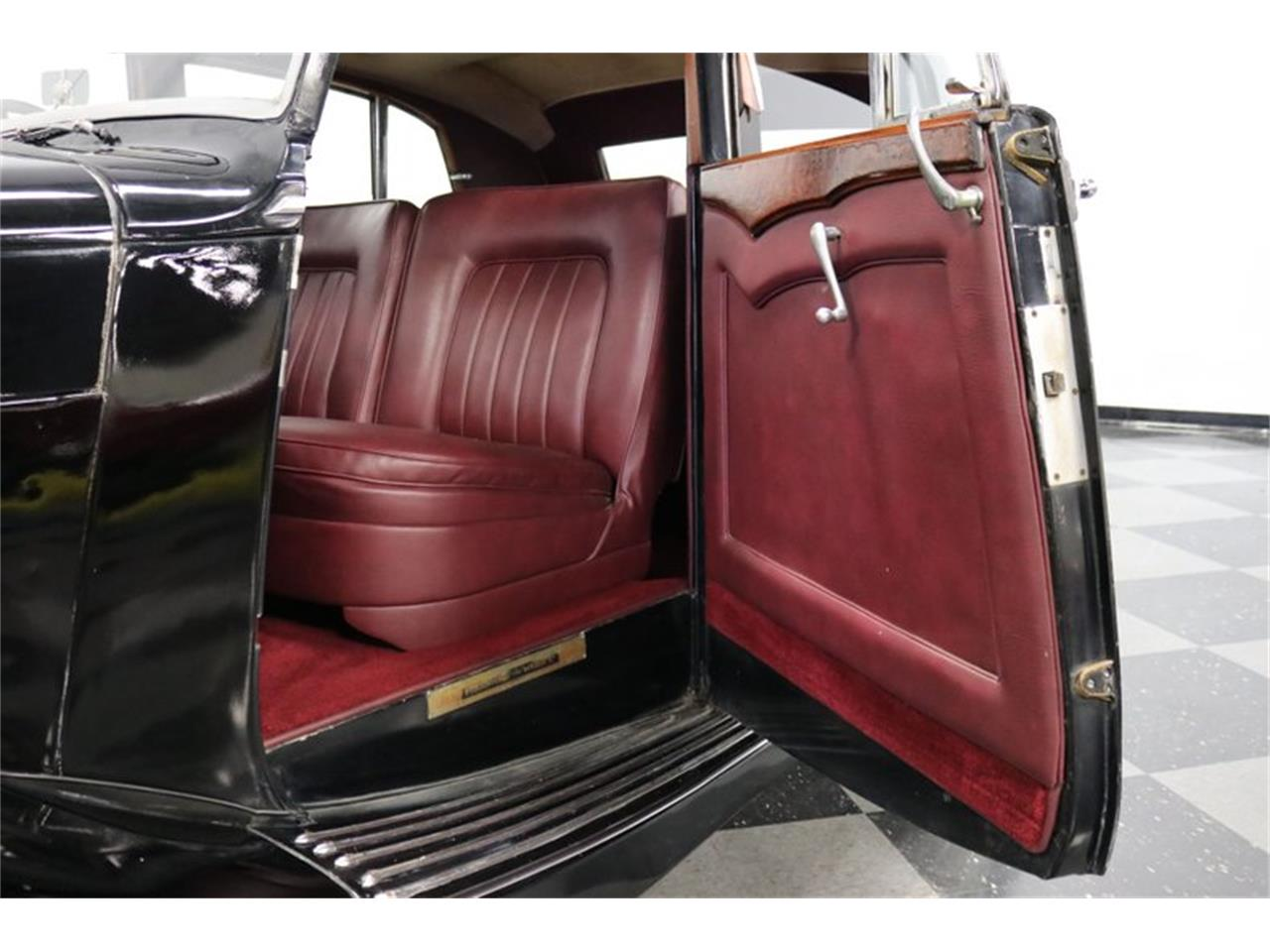 Large Picture of Classic 1949 Bentley Mark VI located in Texas Offered by Streetside Classics - Dallas / Fort Worth - QPTN