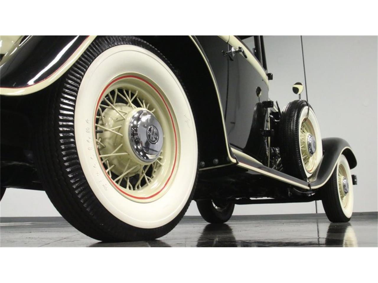 Large Picture of Classic 1933 Chrysler Imperial Offered by Streetside Classics - Atlanta - QPTQ